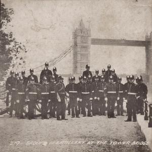 Group of Artillery at Tower Bridge, London, C1910
