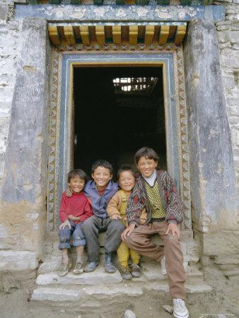 https://imgc.allpostersimages.com/img/posters/group-of-children-from-village-chedadong-tibet-china_u-L-P1TRO50.jpg?p=0
