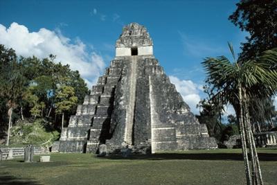 Guatemala, El Peten Department, Tikal National Park, Temple I