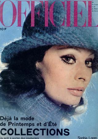 L'Officiel, 1975 - Sophia Loren, Chapeau de Jean Barthet, en Mousseline de Mohair Surpiquée
