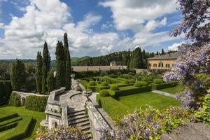 Villa La Foce Garden by Guido Cozzi