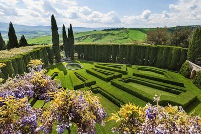 Villa La Foce Garden