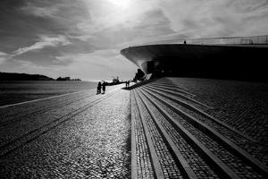 Sun by the Tejo by Guilherme Pontes