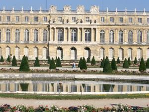Le Parterre d'Eau, Aisle Du Midi, Chateau of Versailles, Les Yvelines, France by Guy Thouvenin