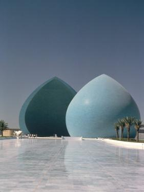 Martyrs Monument, Baghdad, Iraq, Middle East by Guy Thouvenin