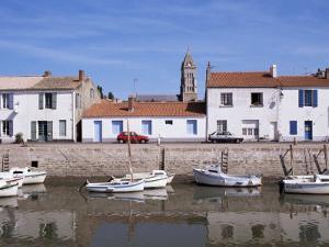 Quai Cassard, Ile De Noirmoutier, Brittany, France by Guy Thouvenin