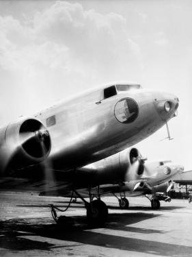 Dc-3 Aeroplane by H. Armstrong Roberts
