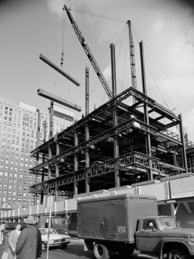 Office Building Construction by H. Armstrong Roberts