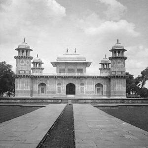 Itmad-Ud-Daulah's Tomb, Agra, India, Early 20th Century by H & Son Hands