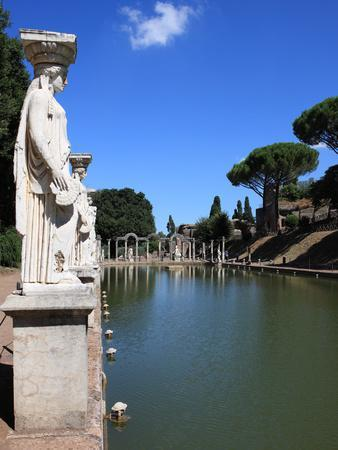 https://imgc.allpostersimages.com/img/posters/hadrian-s-villa-canopus-canal-unesco-world-heritage-site-tivoli-rome-lazio-italy-europe_u-L-PHCTYI0.jpg?p=0