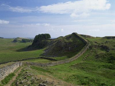 https://imgc.allpostersimages.com/img/posters/hadrian-s-wall-unesco-world-heritage-site-northumberland-england-united-kingdom-europe_u-L-P7XK4S0.jpg?artPerspective=n