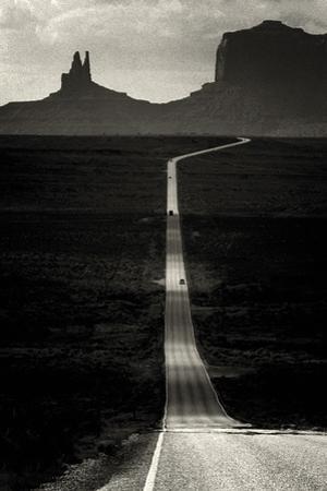 Desert Highway by Hakan Strand