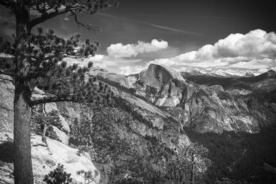 https://imgc.allpostersimages.com/img/posters/half-dome-from-yosemite-point-yosemite-national-park-california-usa_u-L-Q1D0MJO0.jpg?p=0