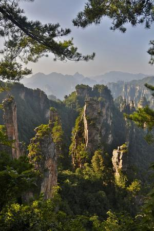 https://imgc.allpostersimages.com/img/posters/hallelujah-mountains-wulingyuan-district-mountain-peaks-on-display_u-L-PU3N1W0.jpg?artPerspective=n