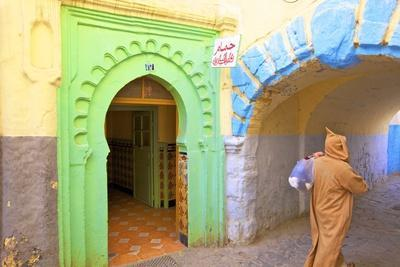 https://imgc.allpostersimages.com/img/posters/hammam-in-kasbah-tangier-morocco-north-africa-africa_u-L-PWFKRJ0.jpg?artPerspective=n