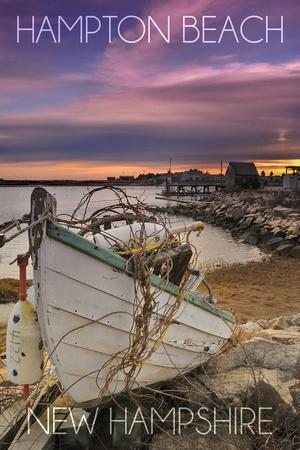 https://imgc.allpostersimages.com/img/posters/hampton-beach-new-hampshire-wooden-boat-on-beach_u-L-Q1GQTAE0.jpg?p=0