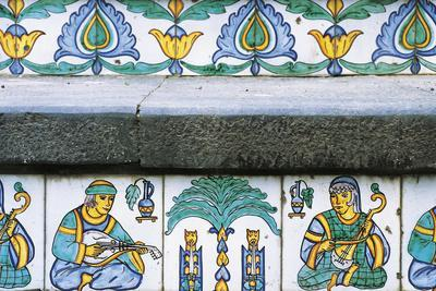 https://imgc.allpostersimages.com/img/posters/hand-painted-majolica-tiles-with-arab-norman-period-friezes_u-L-PRKD5E0.jpg?p=0