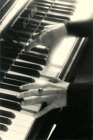 https://imgc.allpostersimages.com/img/posters/hands-on-piano-keyboard_u-L-POD8AK0.jpg?p=0