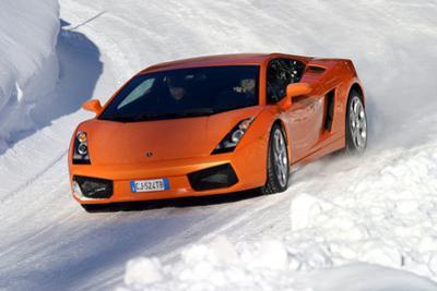 Lamborghini Gallardo mit Winterreifen by Hans Dieter Seufert