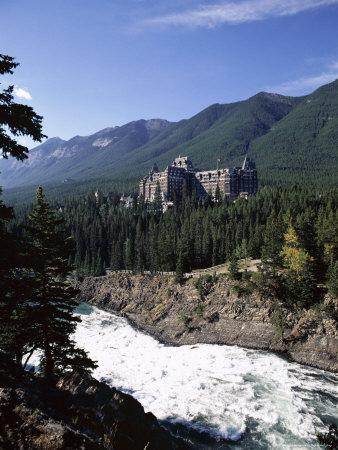 Bow River and Banff Springs Hotel, Banff National Park, Rocky Mountains, Alberta, Canada