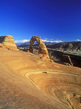 Delicate Arch, Arches National Park, Utah, USA by Hans Peter Merten