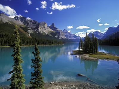 Maligne Lake, Jasper Nationalpark, Canada by Hans Peter Merten