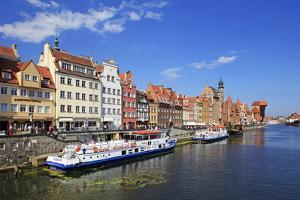 Motlawa Riverbank with the Old town of Gdansk, Gdansk, Pomerania, Poland, Europe by Hans-Peter Merten