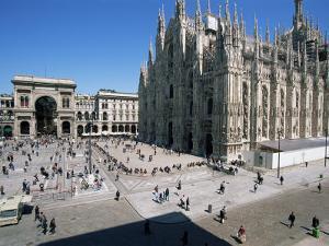 Piazza Del Duomo, Milan, Italy by Hans Peter Merten