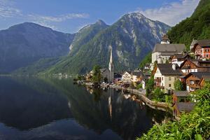 Town of Hallstatt, UNESCO World Heritage Site, on Lake Hallstatt, Salzkammergut, Upper Austria, Aus by Hans-Peter Merten