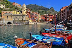 Vernazza, Italian Riviera, Cinque Terre, UNESCO World Heritage Site, Liguria, Italy, Europe by Hans-Peter Merten