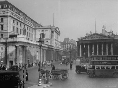 """Threadneedle Street Front of """"Old Lady of Threadneedle Street,"""" Showing the Bank of London Building"""