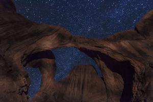 Stars over Double Arch by Hansrico Photography