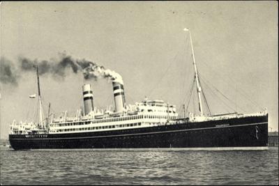 Hapag, Dampfschiff S.S. Volendam Nah Am Ufer