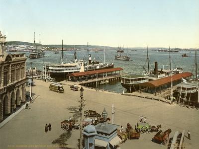 https://imgc.allpostersimages.com/img/posters/harbour-and-muelle-luz-havana-1904_u-L-PPQUDG0.jpg?p=0