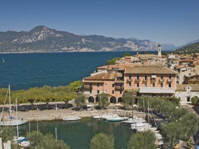 https://imgc.allpostersimages.com/img/posters/harbour-and-town-of-torre-del-benaco-lake-garda-veneto-italian-lakes-italy_u-L-P7MQQO0.jpg?p=0