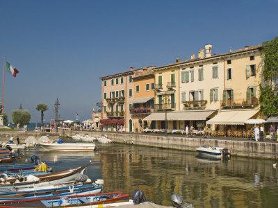 https://imgc.allpostersimages.com/img/posters/harbour-and-waterfront-cafes-lazise-lake-garda-veneto-italian-lakes-italy-europe_u-L-P7MQRK0.jpg?p=0