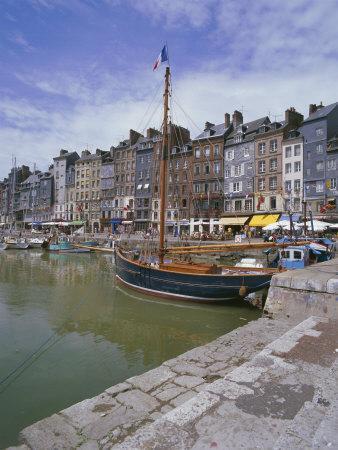 https://imgc.allpostersimages.com/img/posters/harbour-honfleur-basse-normandie-normandy-france_u-L-P1JT2T0.jpg?p=0