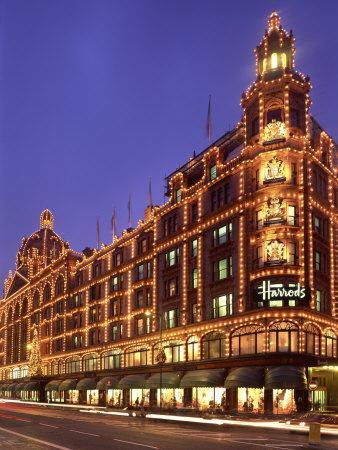 https://imgc.allpostersimages.com/img/posters/harrods-department-store-illuminated-at-night-knightsbridge-london-england-united-kingdom_u-L-P7XE980.jpg?p=0