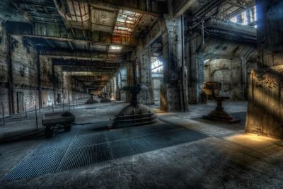 https://imgc.allpostersimages.com/img/posters/haunted-interior_u-L-Q10DO610.jpg?p=0