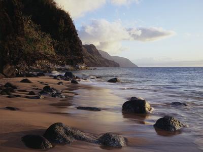 https://imgc.allpostersimages.com/img/posters/hawaii-kauai-haena-sp-a-view-of-the-na-pali-coast-from-kee-beach_u-L-PU3NUF0.jpg?p=0