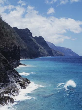 https://imgc.allpostersimages.com/img/posters/hawaii-kauai-waves-from-the-pacific-ocean-along-the-na-pali-coast_u-L-PU3NWR0.jpg?p=0