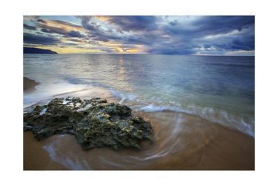https://imgc.allpostersimages.com/img/posters/hawaii-sunset_u-L-Q1CARVY0.jpg?artPerspective=n