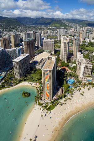 https://imgc.allpostersimages.com/img/posters/hawaiian-beachfront-waikiki-honolulu-oahu-hawaii_u-L-Q1D0NS40.jpg?p=0