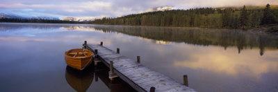 https://imgc.allpostersimages.com/img/posters/hector-lake-mt-john-laurie-rocky-mountains-kananaskis-country-calgary-alberta-canada_u-L-P6J5X50.jpg?p=0