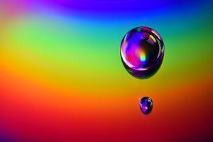 6387_ Cd`s rainbow drops by Heidi Westum