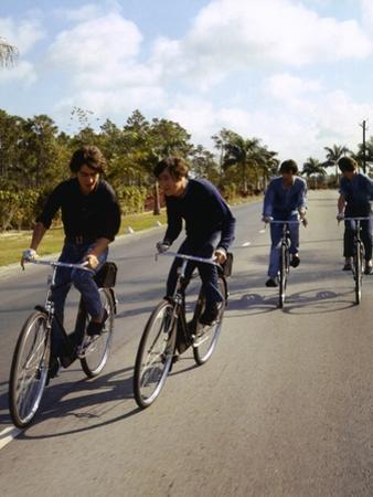 HELP, 1965 directed by RICHARD LESTER George Harrison, Johnn Lennon, Paul McCartney and Ringo Starr