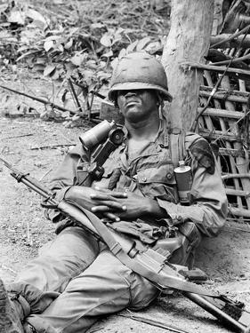 Vietnam War US at Ease by Henri Huet