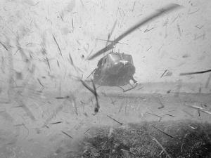 Vietnam War by Henri Huet