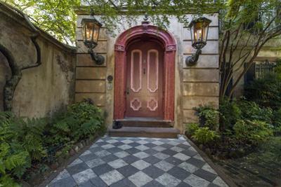 Charleston by Henri Silberman