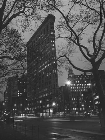 Flatiron Building, New York City by Henri Silberman